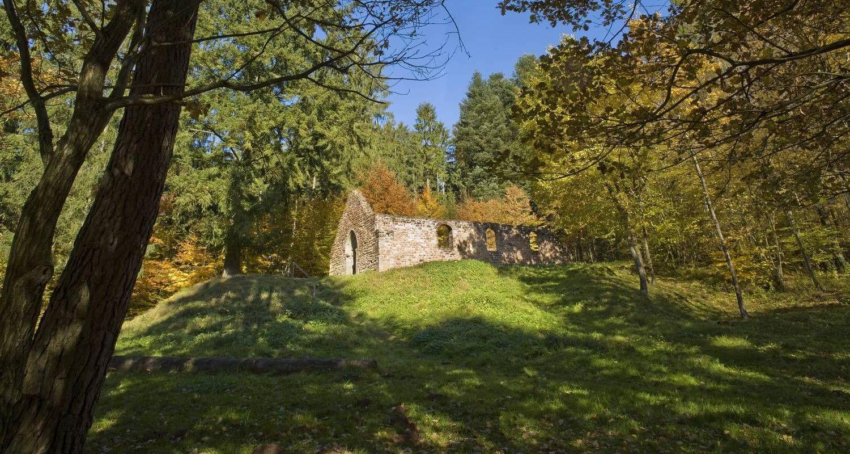 Couleurs d'automne autour des vestiges de la Heidenkirche