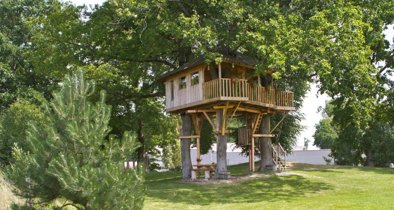 Cabane dans les arbres à Keskastel