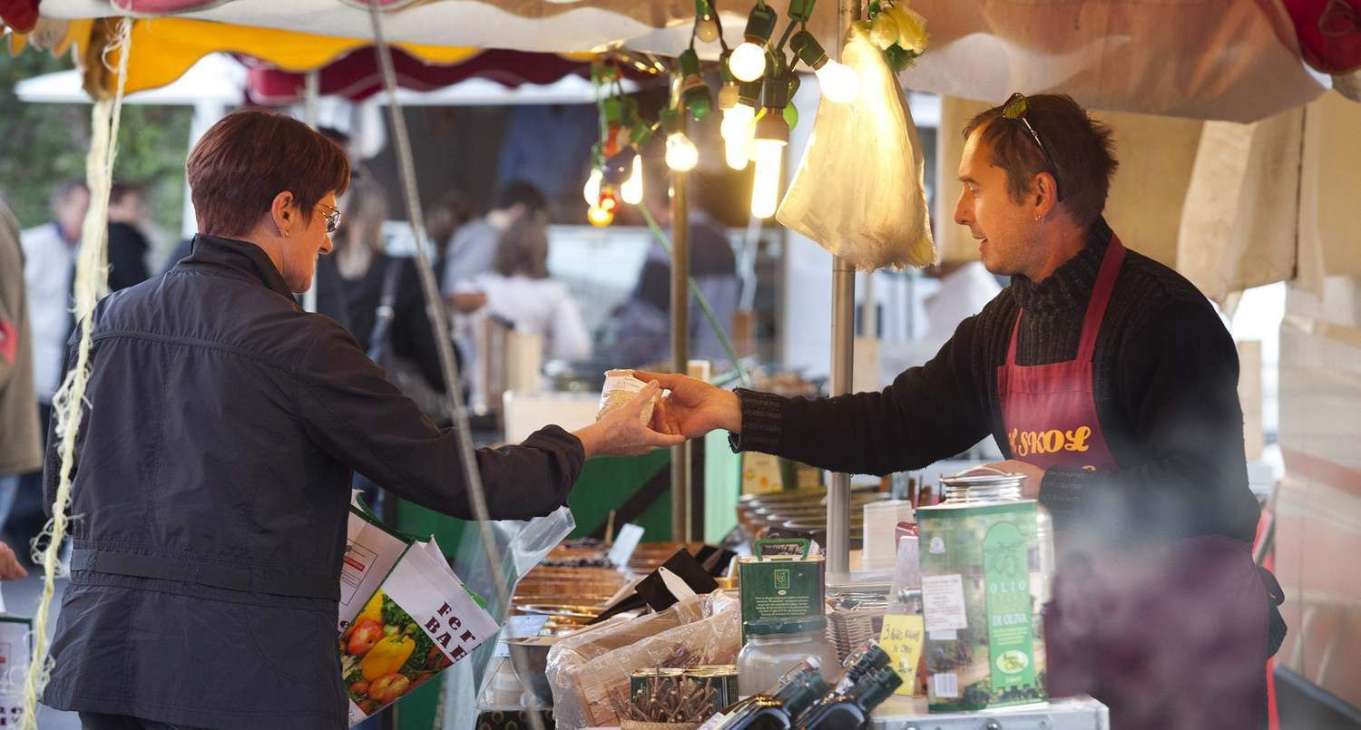 Taste the local produce and specialities during our markets